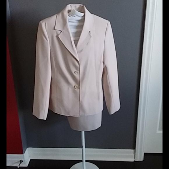 Cream mini skirt suit